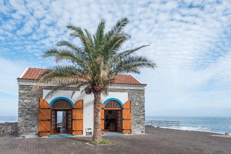 The Dock House, holiday rental in Porto Moniz