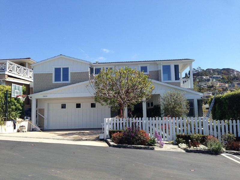 Steps to Montage Beach-private modern beach home, casa vacanza a Monterey Park