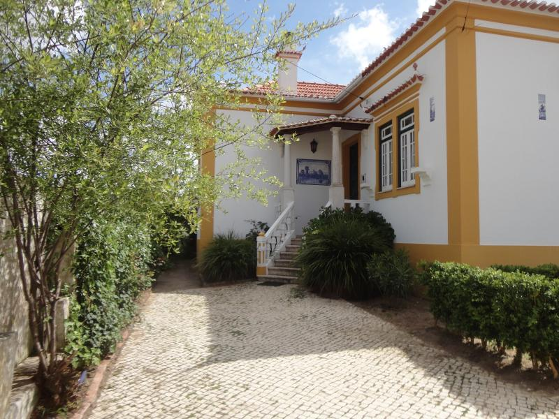 Quinta Do Sol - Casa de la Costa Oeste, holiday rental in Torres Vedras