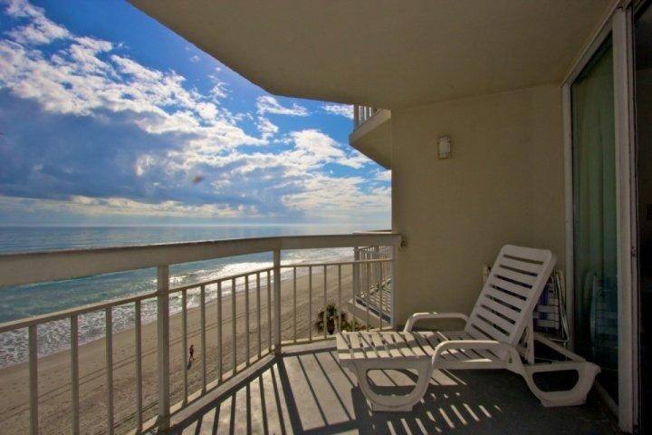 This is the perfect fourth floor view you and your family will enjoy, this isn't a model unit.