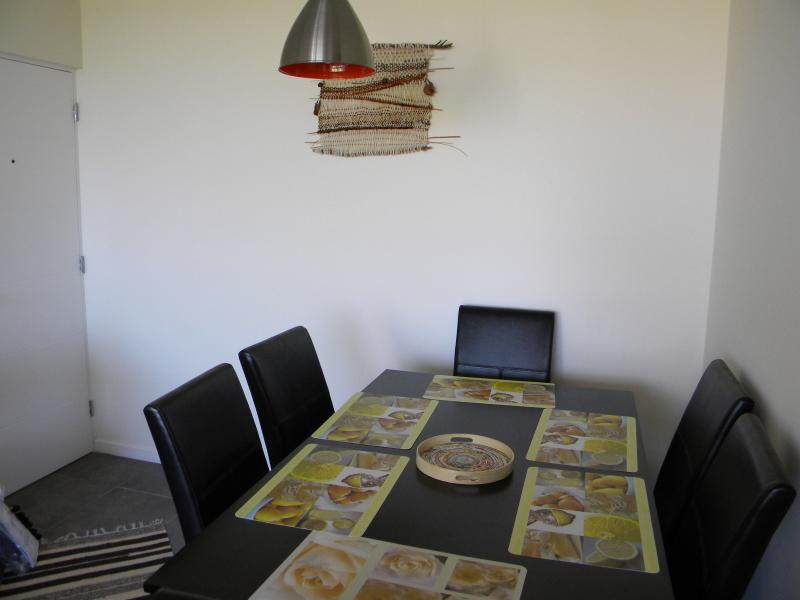 Nice and comfortable apartment. La Serena 1 block from the beach.