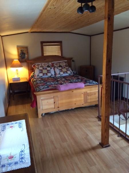Chambre à coucher à l'étage est plutôt confortable
