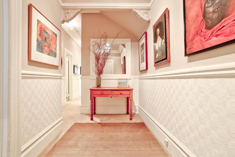Elegant Entry Sets the Tone. Period Detail. Welcome to YourHomeInSanFranciso dot com