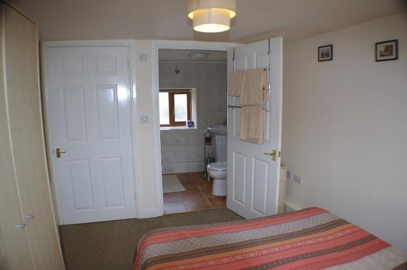 Salle de bain à la chambre 1