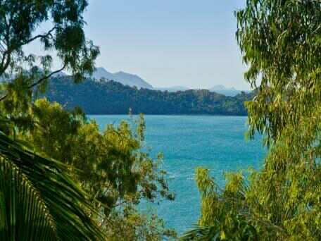 Affordable 2 Bedroom Apartment #5, vacation rental in Whitsunday Islands