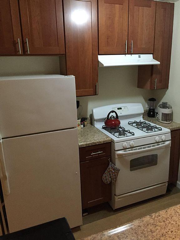 Glowering kitchen .