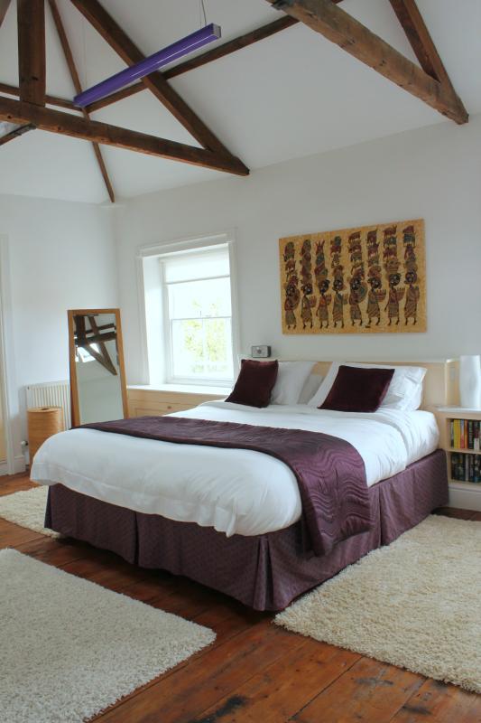 Hohe Decke in das Master-Schlafzimmer