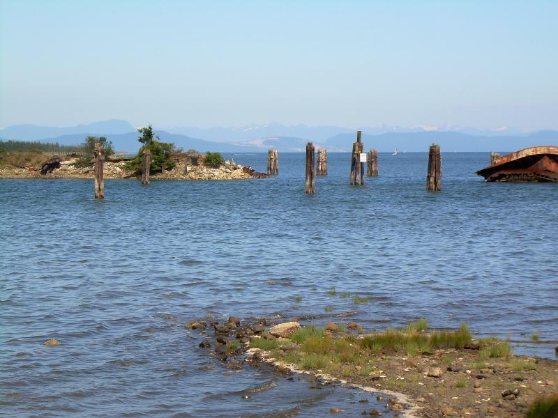 Looking towards mainland mountains from the picnic area of the Royston Seaside Trail