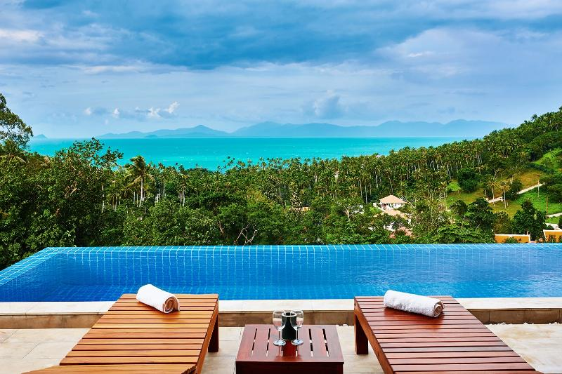 Amazing sea views to the Gulf of Thailand & the neighboring island of Koh Phangan!