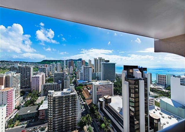 Panoramic Diamondhead, Ocean, and City Views from Private Lanai