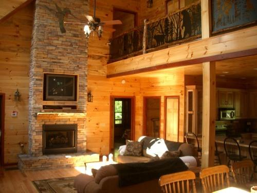 RIDGE TOP MANOR MOST REVIEWS IN NORTH CAROLINA', holiday rental in Franklin