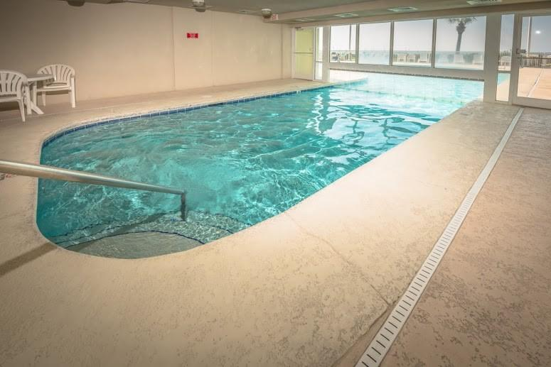 Indoor swim-thru pool