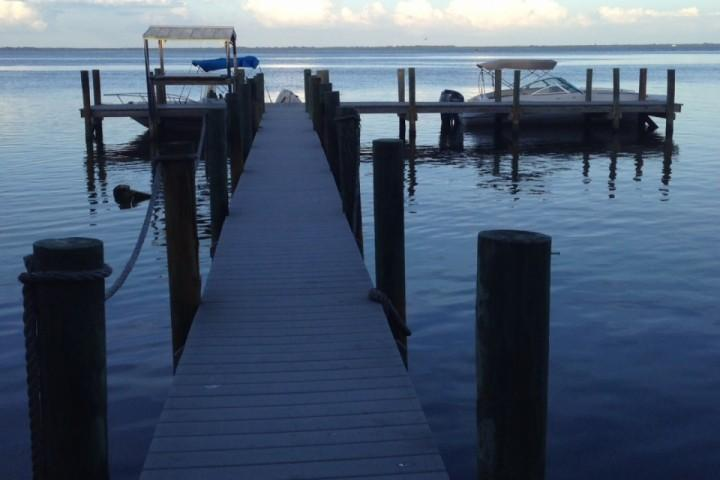 dock for home on island