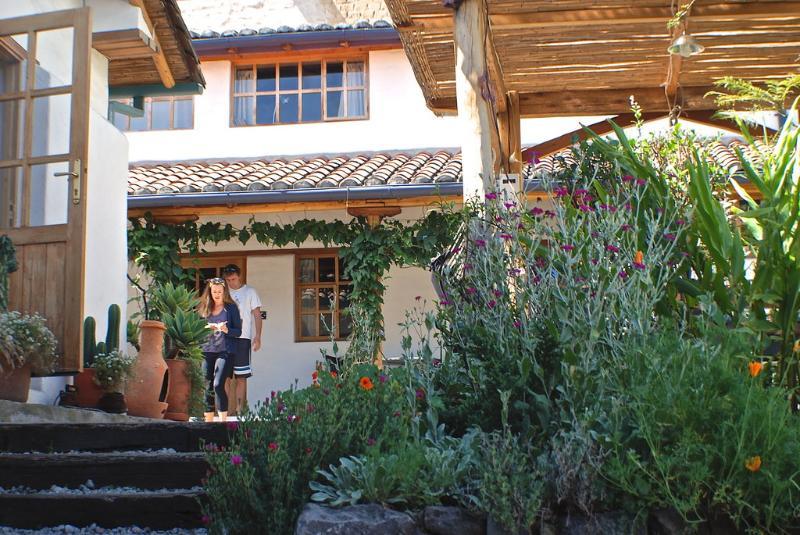 Peaceful Garden Suites Luna in Historical  Quito, alquiler de vacaciones en Provincia de Pichincha