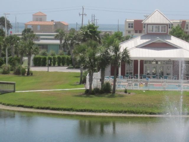 picture of clubhouse with ocean across street
