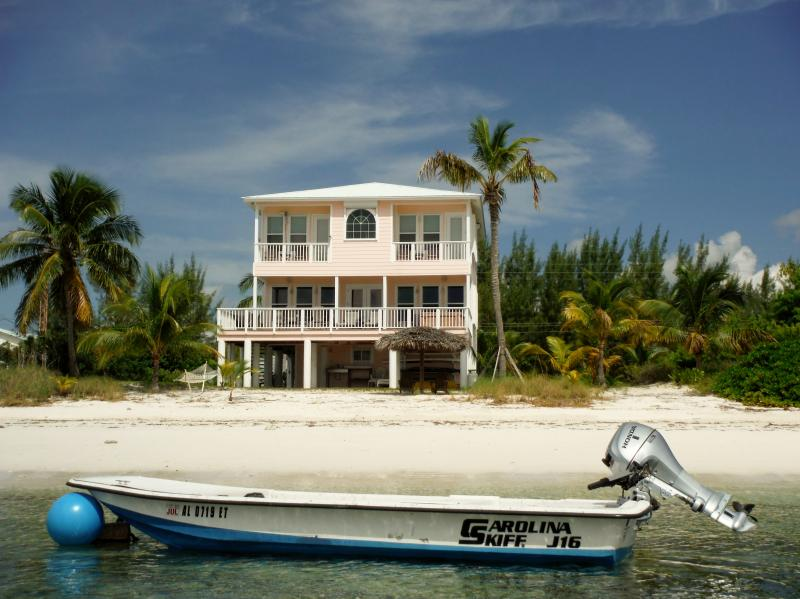 Abaco Palms -Oceanfront Homes-Incl Boat, Kayaks ++, casa vacanza a Isola di Grand'Abaco
