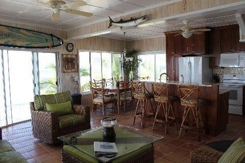 Gran salón en el Calypso - con una vista magnífica de la cubierta!