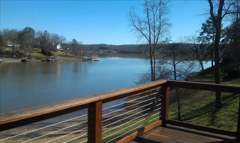 Lake House on Chickamauga Lake/Private Dock, location de vacances à Lookout Mountain