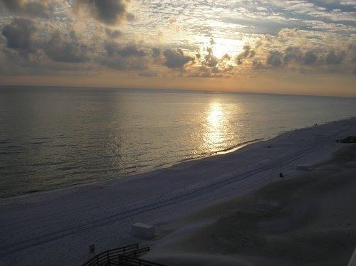 Hermosas puestas de sol desde nuestro balcón.