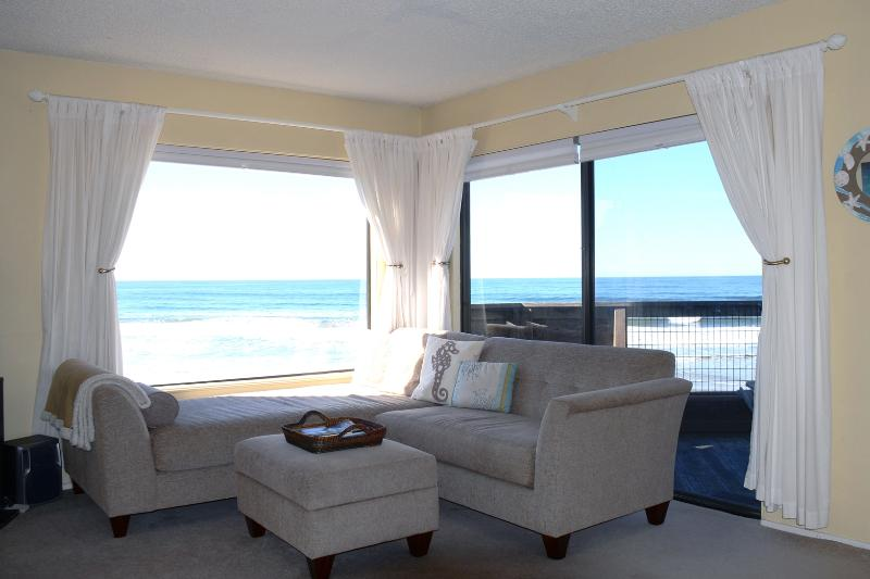 Living Room - Unobstructed ocean views from Monterrey Bay to Santa Cruz.