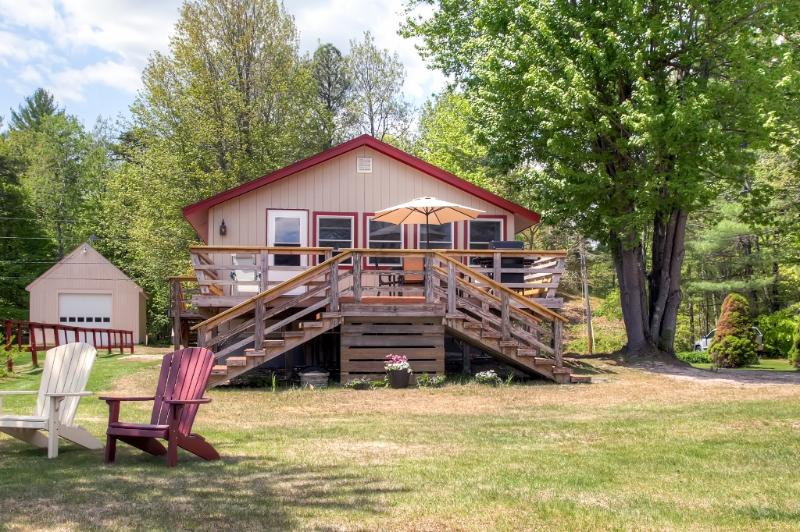 Come escape to this pleasant Wakefield vacation rental cottage!