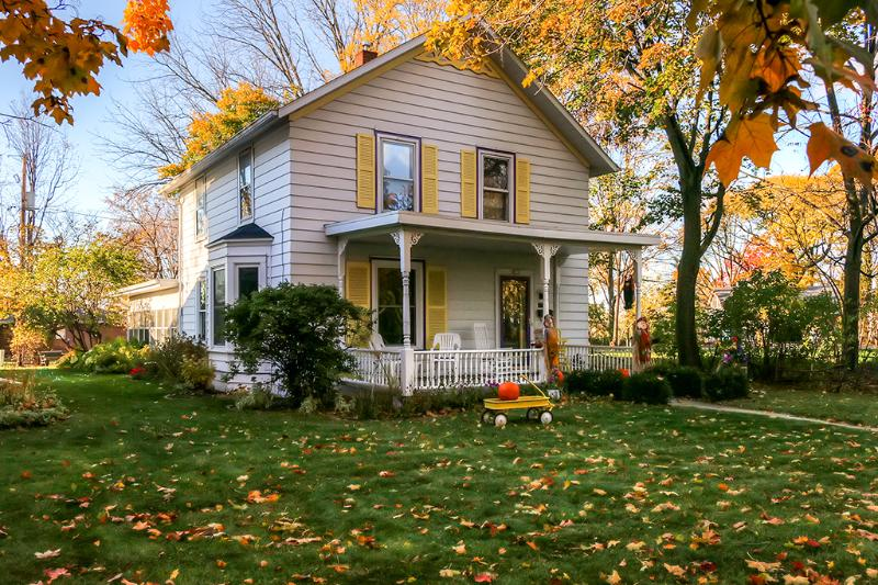 Have the ultimate Green Bay experience by staying at this colorful DePere vacation rental house!