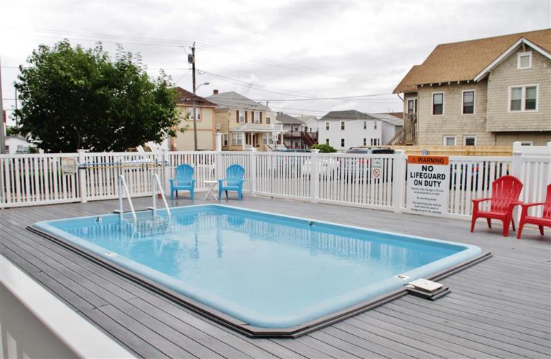 Book your Seaside Heights siesta at this vacation rental condo!