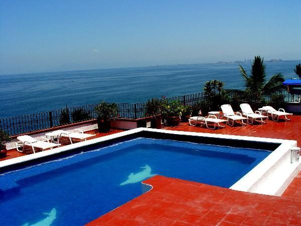 Rooftop Pool and Ocean View