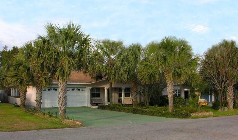 The Big Beach House, 5 camere, 4 bagni, 3000 sq. Ft, piscina privata, idromassaggio + Game Room