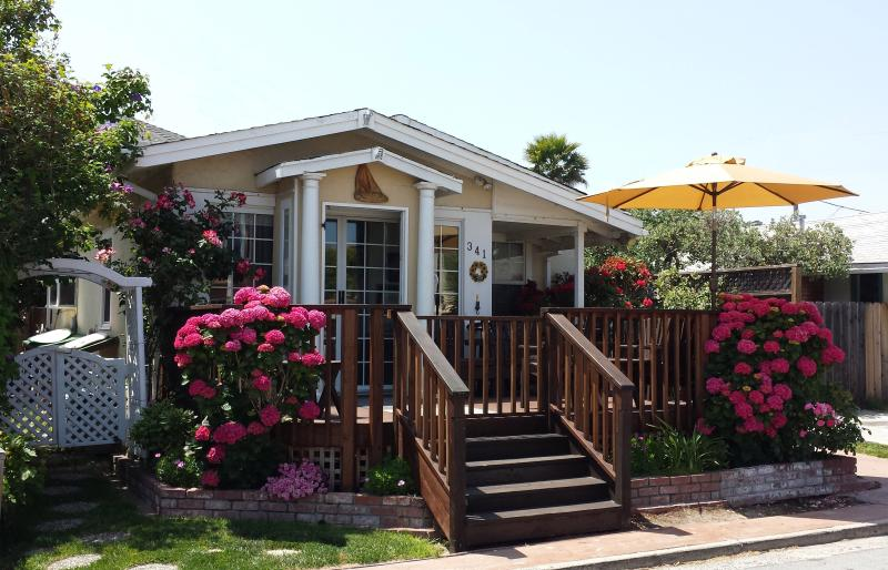Bucks Beach Bungalow is less than a block to the Ocean & just 9-homes to Beach