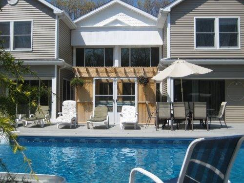 FRONT DECK & HEATED POOL