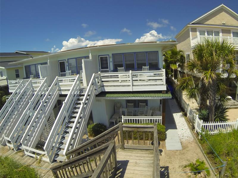 Almost Heaven OCEANFRONT D 3 Bd/3Bth 1st Flr WiFi, holiday rental in Surfside Beach