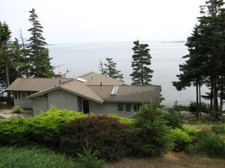 Spectacular Oceanfront Retreat, vacation rental in South Thomaston