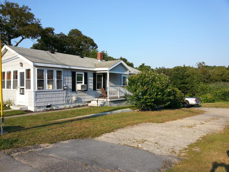 Walk to Multiple Beaches and Downtown, location de vacances à Buzzards Bay