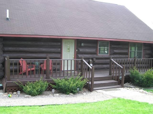 VonSeda's Log cabin vacation rental, U.P. Michigan