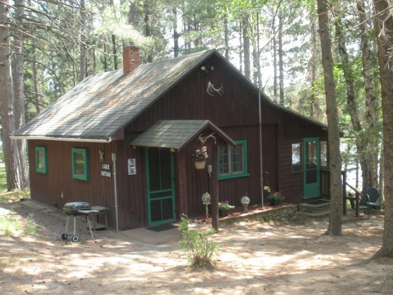 MY T Pine Acres Lake Cottage, location de vacances à Hazelhurst