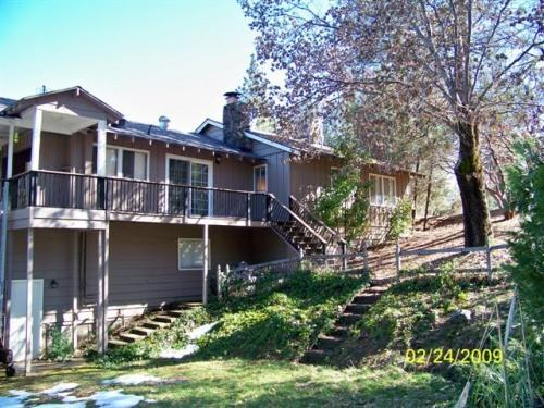 Yosemite Bass Lake BadgerSki Tenaya Cabin Sleeps14, holiday rental in Oakhurst