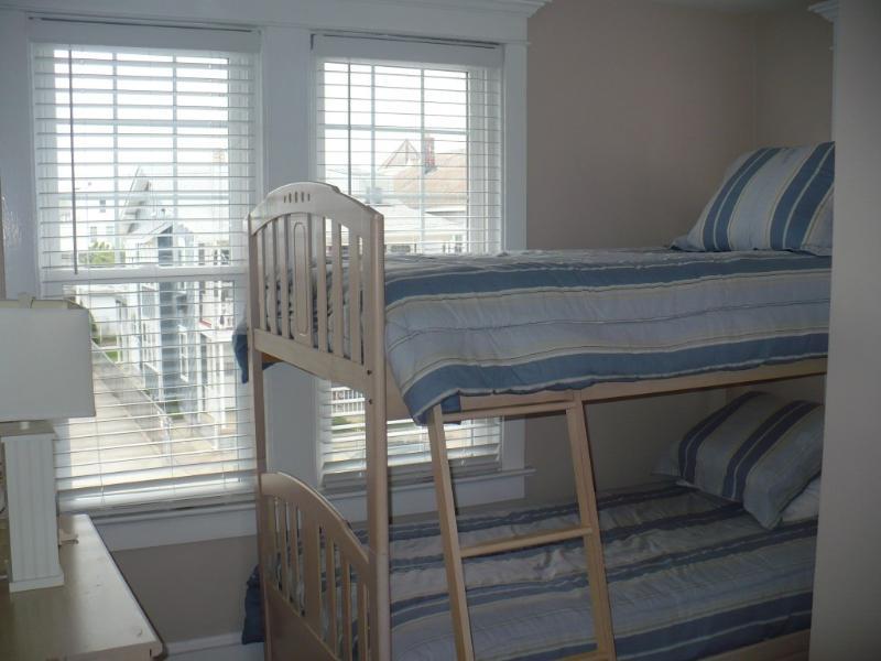 Bedroom: Bunk Bedroom