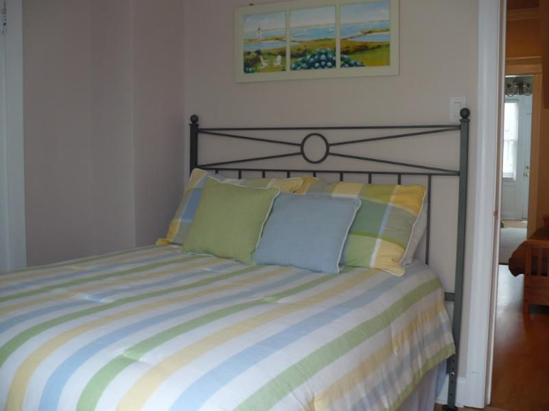 1st Floor Double Bedroom with Private Entrance