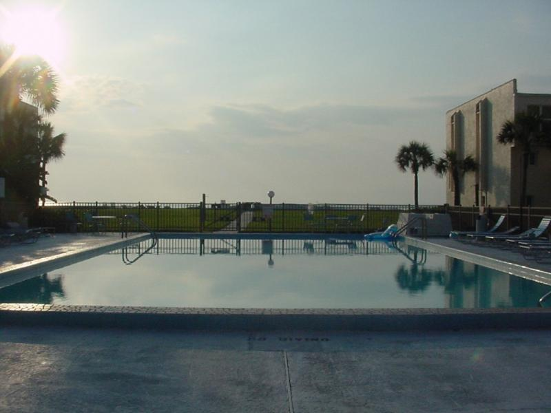 Ocean Music-Hear the Ocean from Our Patio - Ask about our Specials!!!, vacation rental in Saint Augustine Beach