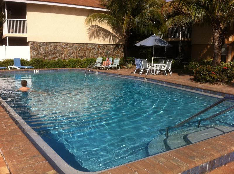 Bali Hai Condos 2 bed/2 bath  Ft Myers, Florida, alquiler de vacaciones en Fort Myers
