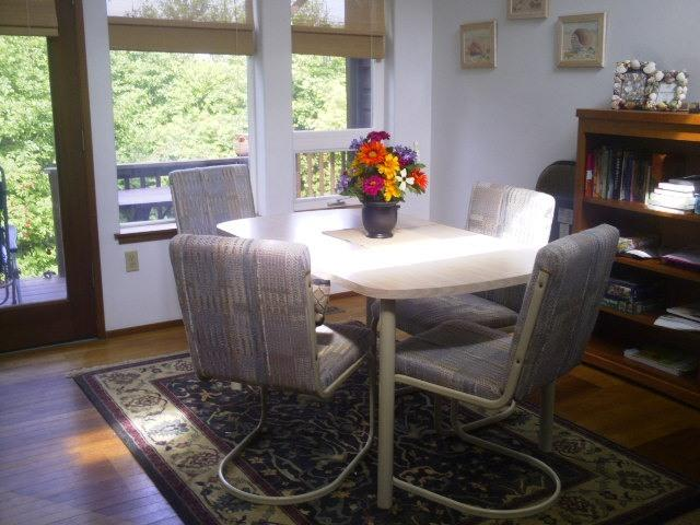 Common area table and chairs