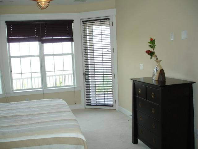 master bedroom 2- beach view /access to deck