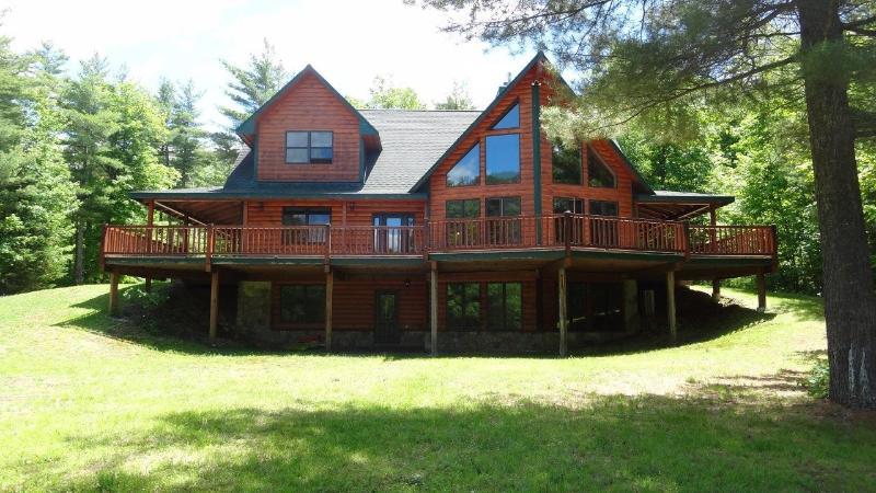 Spectacular Home w/Views, Hot Tub & Sauna, Whiteface & Lake Placid, 3D/VR Tour, location de vacances à Jay