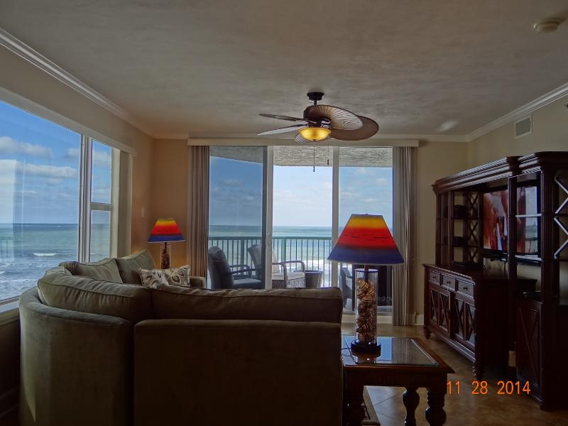 WE ARE OPEN! Direct Oceanfront Luxury, See the Ocean from Every Room!, location de vacances à Daytona Beach