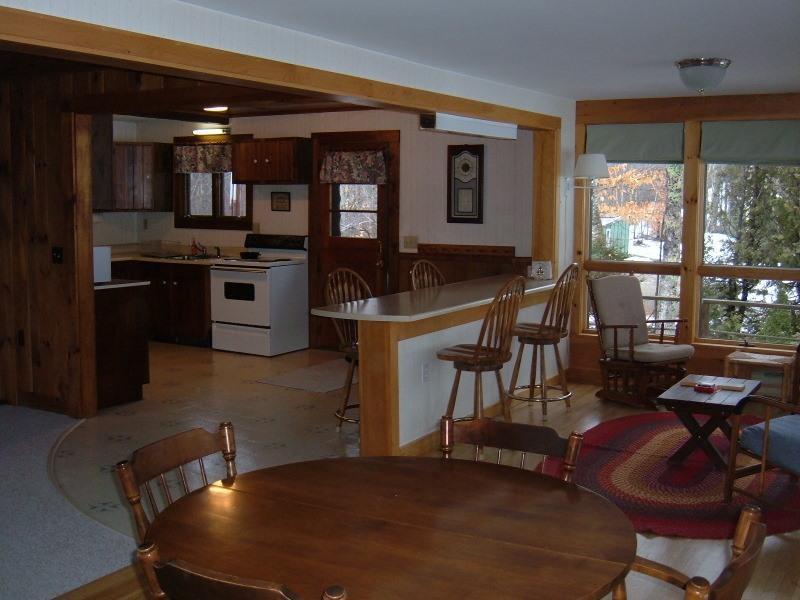 Porch Breakfast bar.& dining table