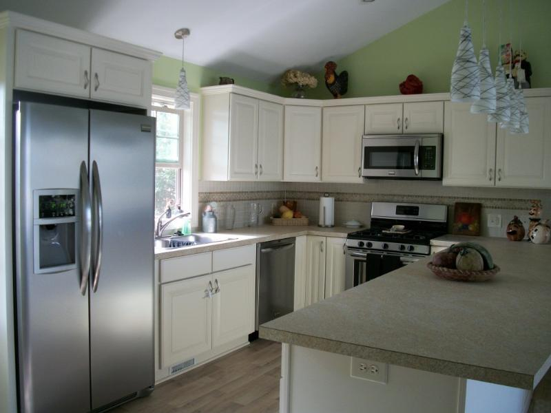 Enjoy cooking in the fully stocked kitchen ~