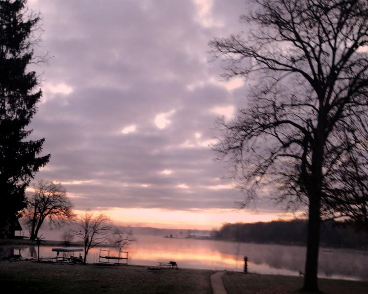 Strawberry Lake Home is waiting for you!, holiday rental in Milford