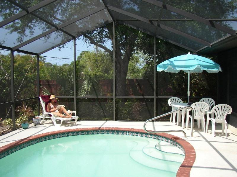 Tropical Florida (Pool) Home - 5 min to beach, holiday rental in Venice