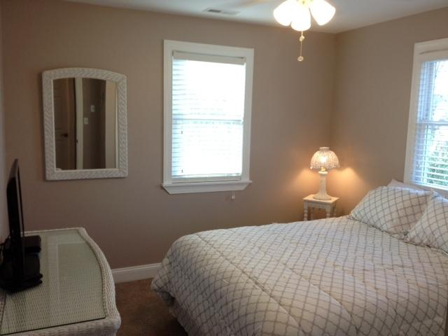 2nd Floor White Bedroom with 32'LED TV/DVD